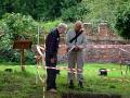 scadbury-discussing-excavation